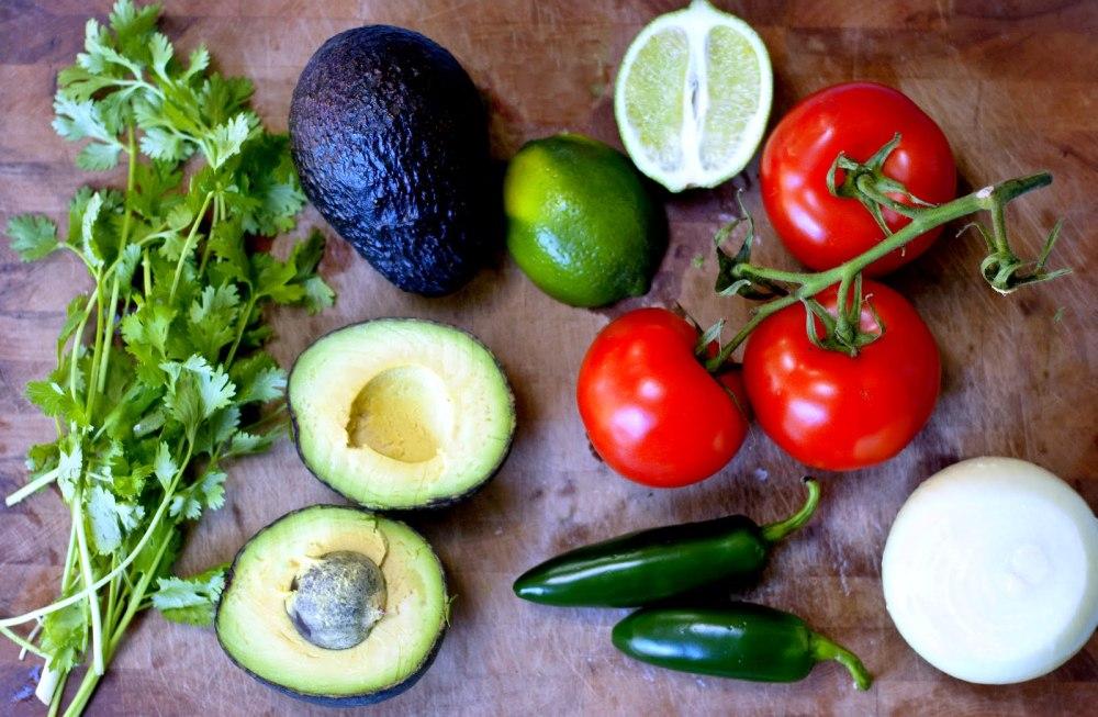 Guacamole-00-ingredients